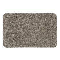 Mat Aqua-Luxe is een lichtbeige mat gemaakt van polyester. De mat heeft een afmeting van 50x80 cm. Mat Aqua-Luxe is er in verschillende uitvoeringen, zo is deze mat er ook in de kleur antracietgrijs en een afmeting van 40x60 cm.