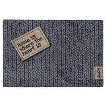 Deurmat Home is een grappige mat met een uitvergrote afbeelding van textiel. De afmeting is 50x70 cm.