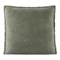 Matraskussen Tess is een groen kussentje met een afmeting van 45x45 cm. Leg dit mooie kussen op je eetkamer- of tuinstoel, met een comfortabele dikte van 4 cm zit je heerlijk! Het matraskussen is gemaakt van katoen en polyester.