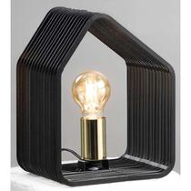 Tafellamp Auckland is een zwarte tafellamp, gemaakt van metaal. Zijn bijzondere vorm en mooie afwerking, maakt het direct gezellig aan tafel!