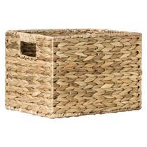 Mand Jaap is een mooie mand gemaakt van gevlochten waterhyacint. Deze 30x25x22 cm grote mand is verkrijgbaar in de winkel.