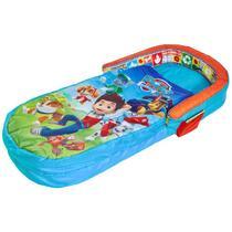Gaat uw kind bij opa en oma logeren, of bij een vriendinnetje? Dan is dit luchtbed met slaapzak onmisbaar. U hoeft alleen het luchtbed maar op te pompen en u heeft een zacht en lekker warm bed. Ideaal! Pyjama aan en slapen maar!