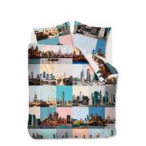 Dekbedovertrek City Fragments is opgebouwd uit diverse pastel gekleurde vlakken. In deze vlakken zijn verschillende skylines van grote steden te zien. Het dekbedovertrek is gemaakt van 100% katoen.