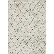 Tapijt Narni heeft een etnisch ruitendessin waarin de neutrale crème achtergrond verrijkt wordt met blauwe kleuraccenten. Het tapijt is geïnspireerd op de rijke sherpacultuur en heeft een afmeting van 120x170 cm.