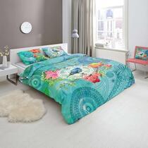 Hip is een merk dekbedovertrekken dat staat voor moderne, vernieuwende en kleurrijke ontwerpen. Op dit gekleurde Hip dekbedovertrek staan kleurrijke figuren, bloemen en een vogel afgebeeld.