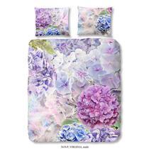 Good Morning is een merk dekbedovertrekken dat staat voor moderne, vernieuwende en kleurrijke ontwerpen. Op dit gekleurde dekbedovertrek staan bloemen afgebeeld.