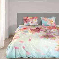 Sur cette parure de couette multicolore se trouve un imprimé magnifique de fleurs. La housse de couette est réversible. Cet article est un vrai atout dans votre chambre à coucher!