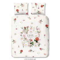 Dit witte dekbedovertrek is bedrukt met bloemetjes en tekst en is dubbelzijdig bedrukt. Dit dekbedovertrek is een aanvulling voor uw slaapkamer!