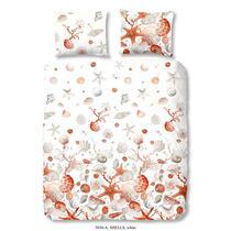 Dit witte dekbedovertrek is bedrukt met schelpen en zeesterren. Het dekbedovertrek is dubbelzijdig bedrukt. Dit dekbedovertrek is een aanvulling voor uw slaapkamer!