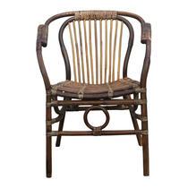 La chaise de salle à manger Kim attirera sans doute tous les regards dans votre intérieur. Elle est dotée d'un look rural robuste, mais est en même temps très naturelle.