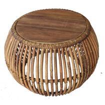 Salontafel Sean heeft een stoere en natuurlijke look en een afmeting van 45x60 cm. Deze ronde, rotan tafel heeft een stijlvol design.