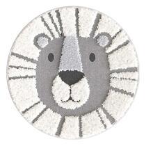 Vloerkleed Leeuw is grijs en heeft een afmeting van 120 cm. Dankzij het materiaal van het tapijt (100% polypropyleen) is het gemakkelijk in onderhoud.