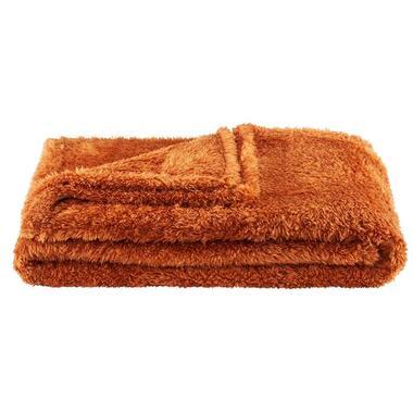 Plaid veerle is caramel en heeft een afmeting van 130x160 cm.