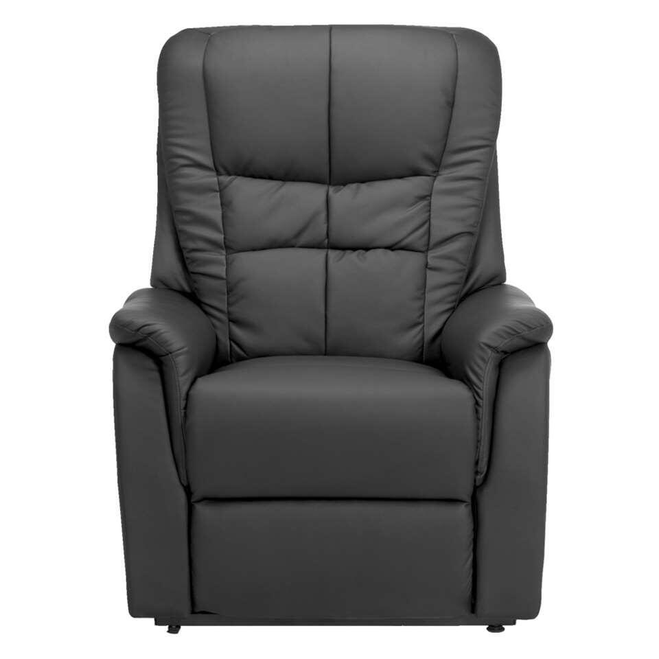 Relaxfauteuil Arizona is perfect vormgegeven om heerlijk in tot rust te komen. De royale afmetingen, gecombineerd met de comfortabele bekleding, zorgen voor een ultiem zitcomfort.