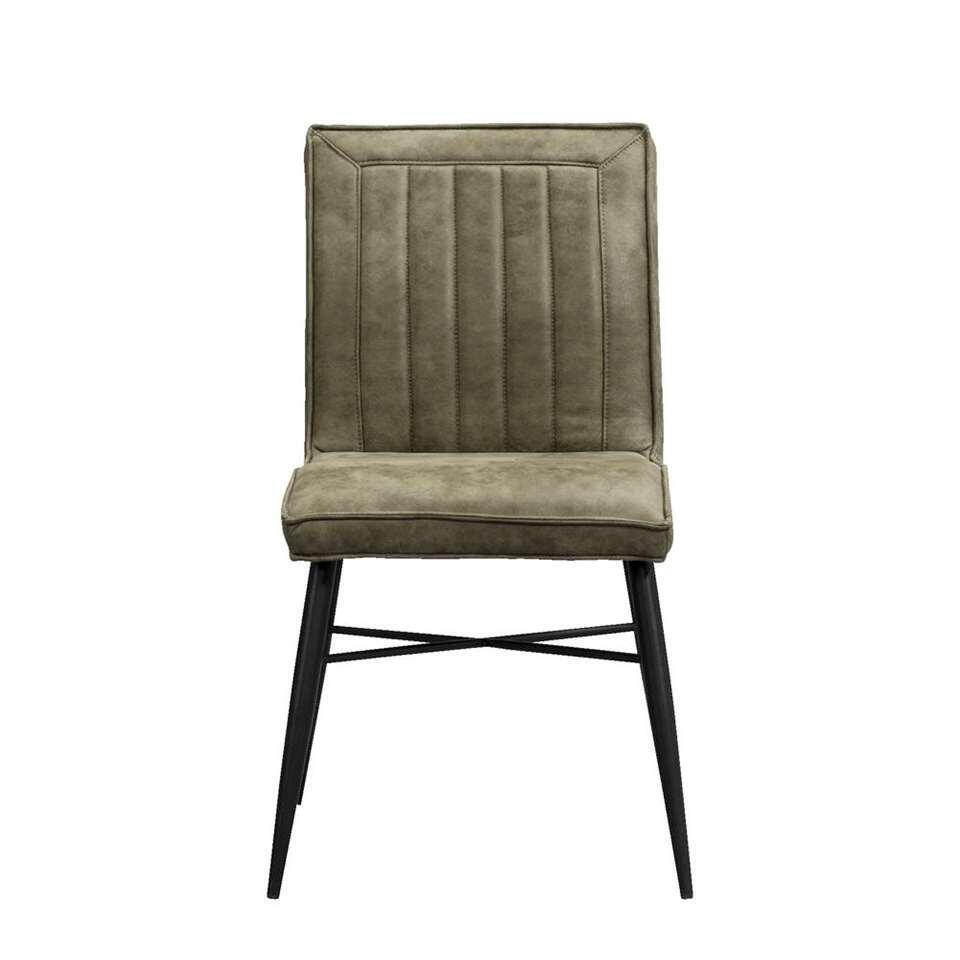 Eetkamerstoel Novan is een eigentijds stoeltje bekleed met stof in de kleur olijfgroen. Het stoeltje is stoer, waardoor het perfect past in een stoer of industrieel interieur.