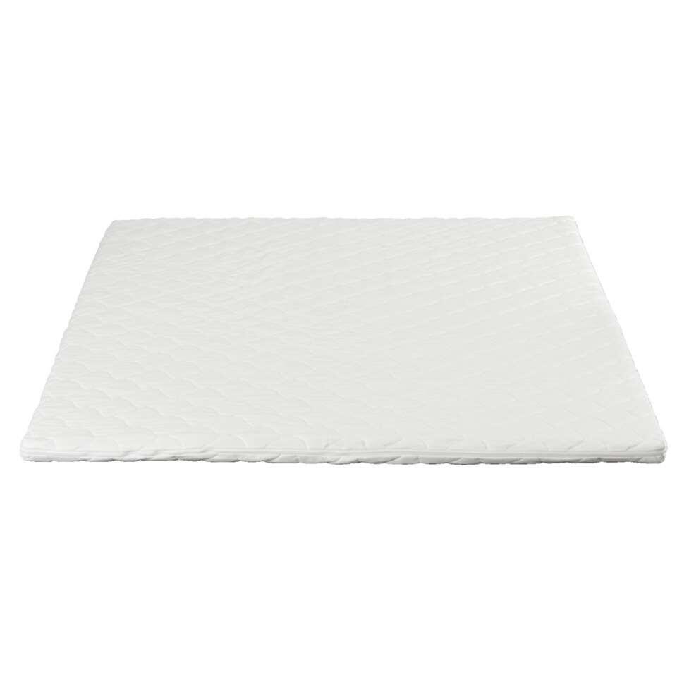De kern van de topdekmatras Elegance is vervaardigd uit traagschuim en past zich aan aan je lichaamsgewicht. Het gebrek aan comfort van je harde matras wordt omgezet in het gewenste zachte comfort.