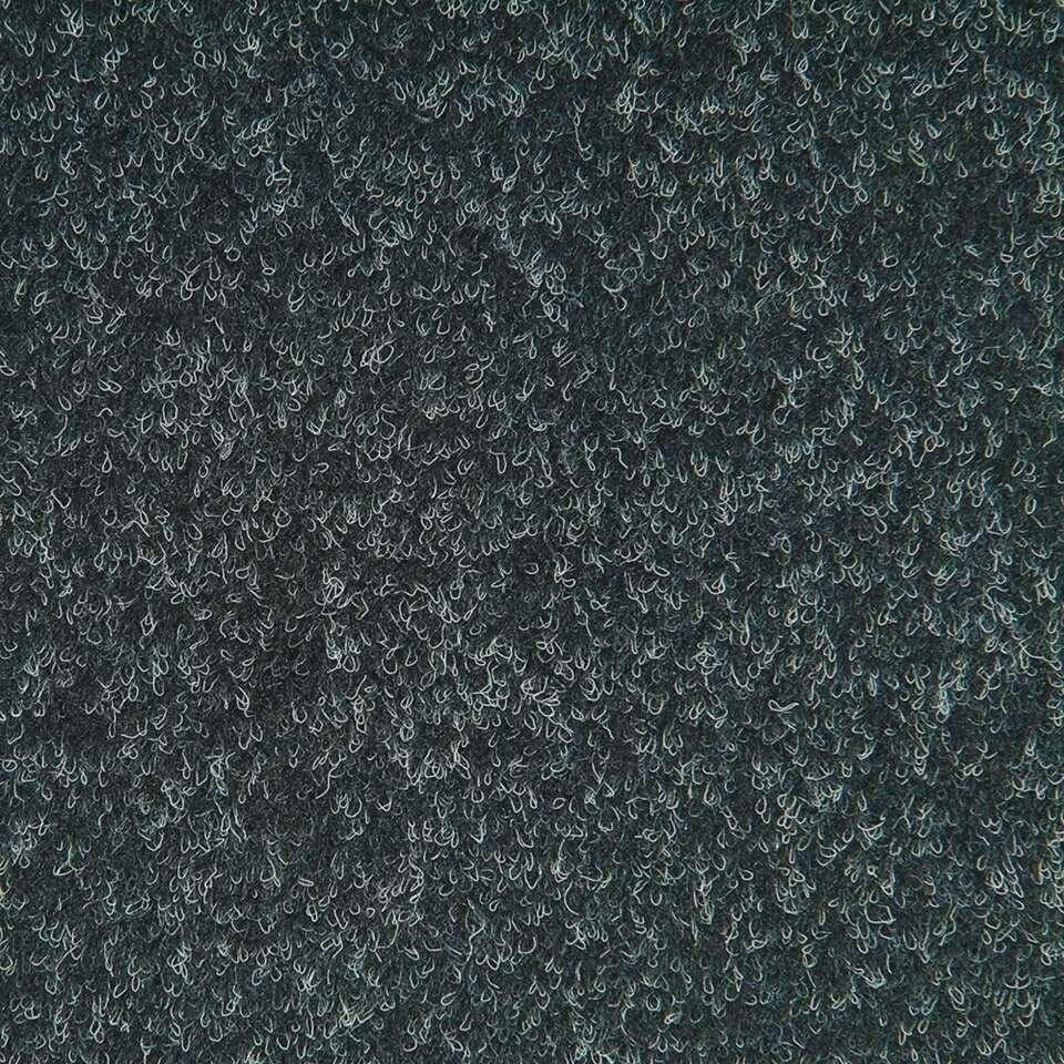 Tegel Orlando is een haarvilt tapijttegel in de kleur antraciet. Orlando heeft een polyflex bitumen rug en een afmeting van 50x50 cm. De tegel wordt per stuk verkocht.