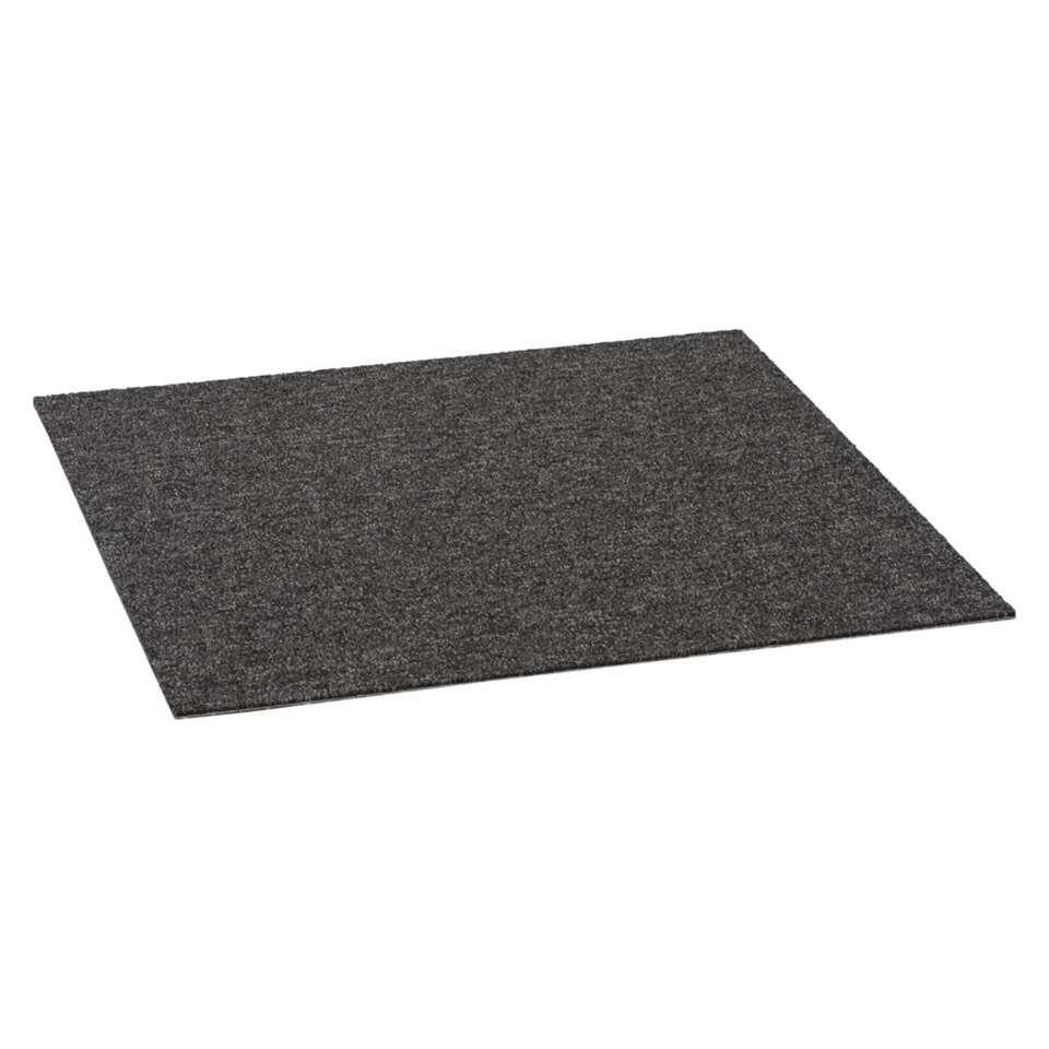 Tegel Classic is een klassieke tapijttegel in de kleur antraciet. De afmeting van deze tegel is 50x50 cm. Tapijttegels zijn gemakkelijk te leggen, te vervangen of mee te nemen naar een nieuwe woning of ruimte. Prijs per stuk.