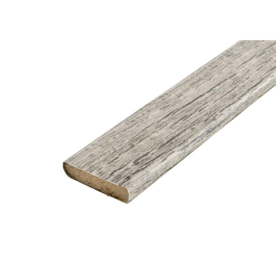 Plakplint Luxdelight mountainhut pine past uitstekend bij laminaat Luxdelight mountainhut pine. Werk je nieuwe laminaatvloer netjes af met deze bijpassende plakplinten. Deze plakplint is 240 cm lang, 2,2 cm hoog en 0,5 cm dik.