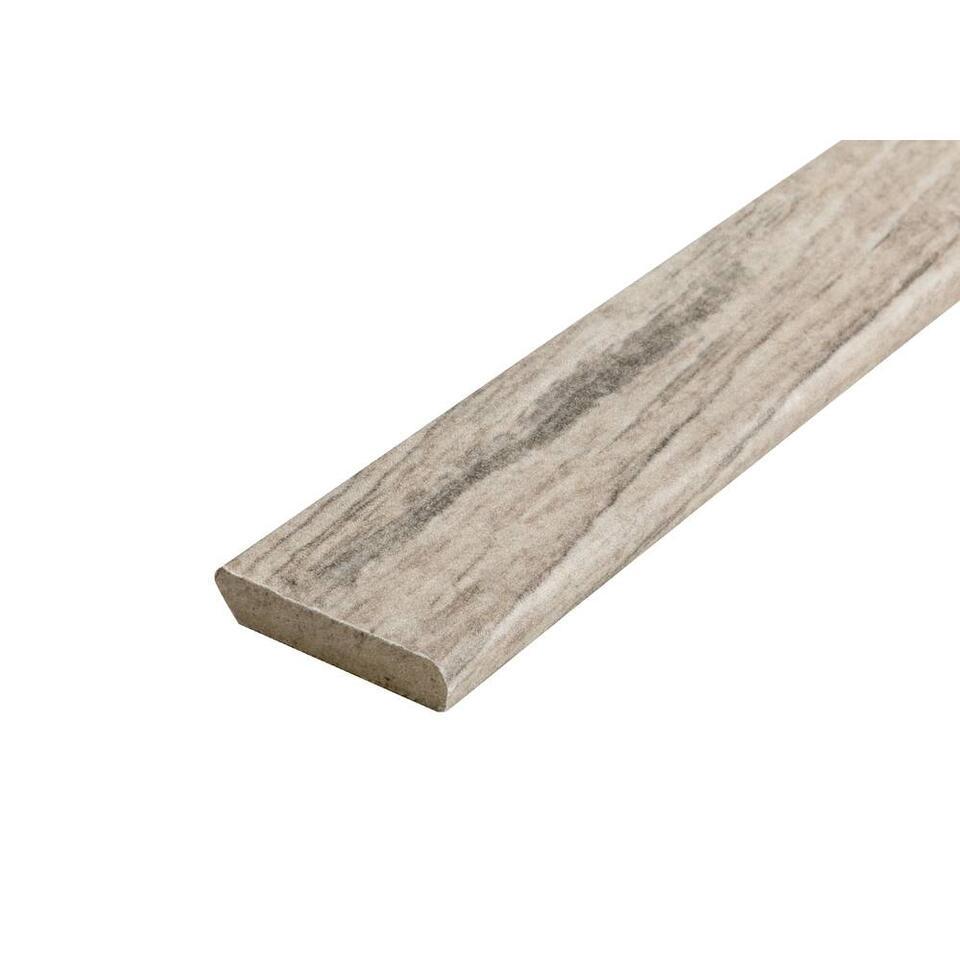 Werk je kamer af met plakplint Cabana Driftwood. Plinten accentueren de kamers in je huis en beschermen bovendien je muur en vloer.