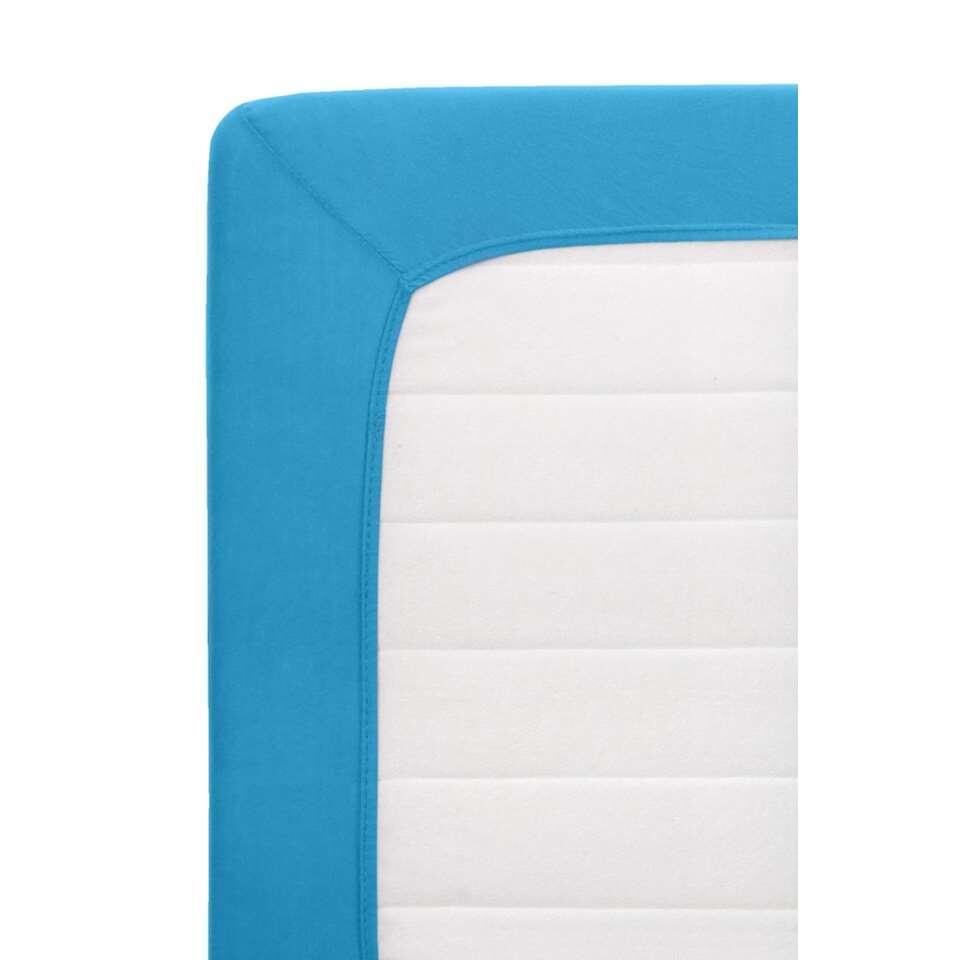 Dit blauwe hoeslaken Jersey is een ware toevoeging in de slaapkamer. Het is voorzien van handige elastieken randen en is rekbaar, waardoor het laken de perfecte pasvorm aanneemt op je matras. Dit laken heeft een afmeting van 70 x