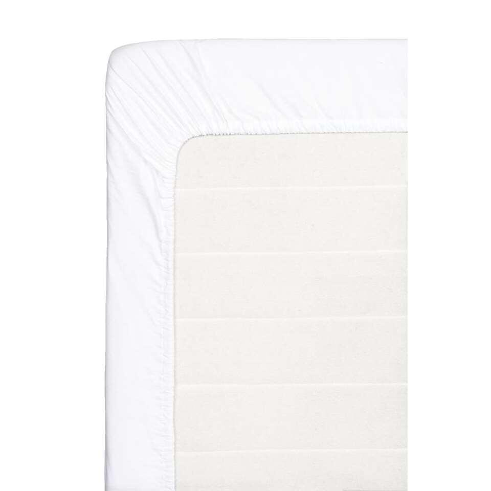 Dit zachte hoeslaken is gemaakt van percale katoen en wit van kleur. Dit hoeslaken heeft een afmeting van 180x220 cm.