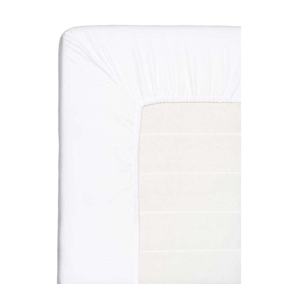 Dit zachte hoeslaken geschikt voor je topdekmatras. Dit witte hoeslaken is gemaakt van katoen en heeft een afmeting van 180x200 cm.