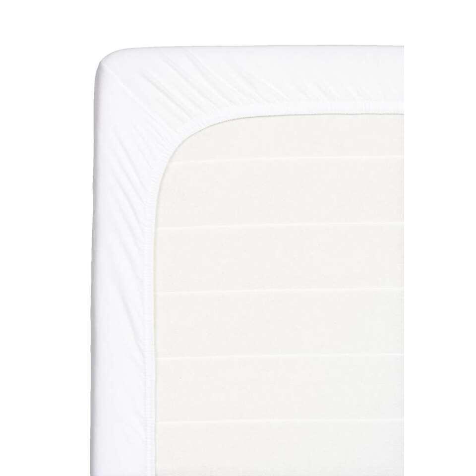 Dit zachte hoeslaken is geschikt voor een topdekmatras. Dit hoeslaken is wit, gemaakt van katoen en heeft een afmeting van 180x200 cm.