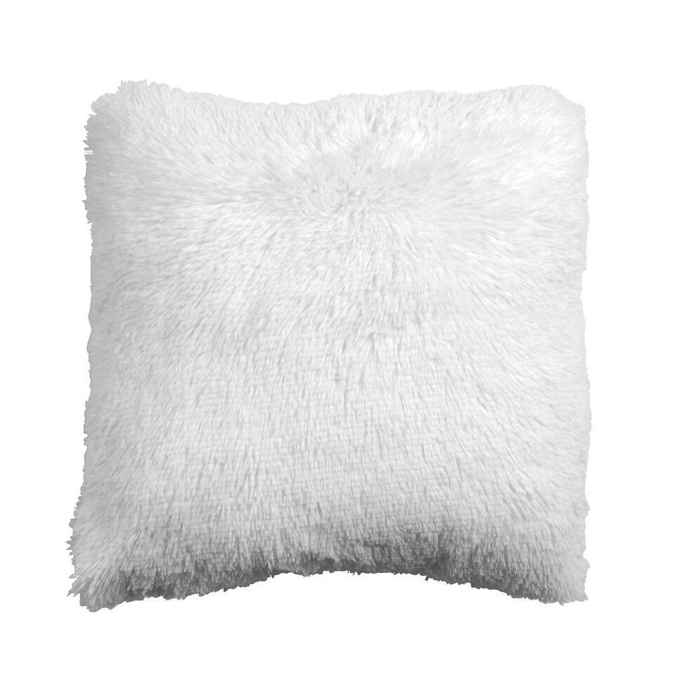 Sierkussen Ilene is zo zacht als een teddybeertje. Het kussen is gemaakt van 100% polyester en heeft een afmeting van 45x45 cm. Dit off-white kussen is gemaakt om mee te knuffelen!