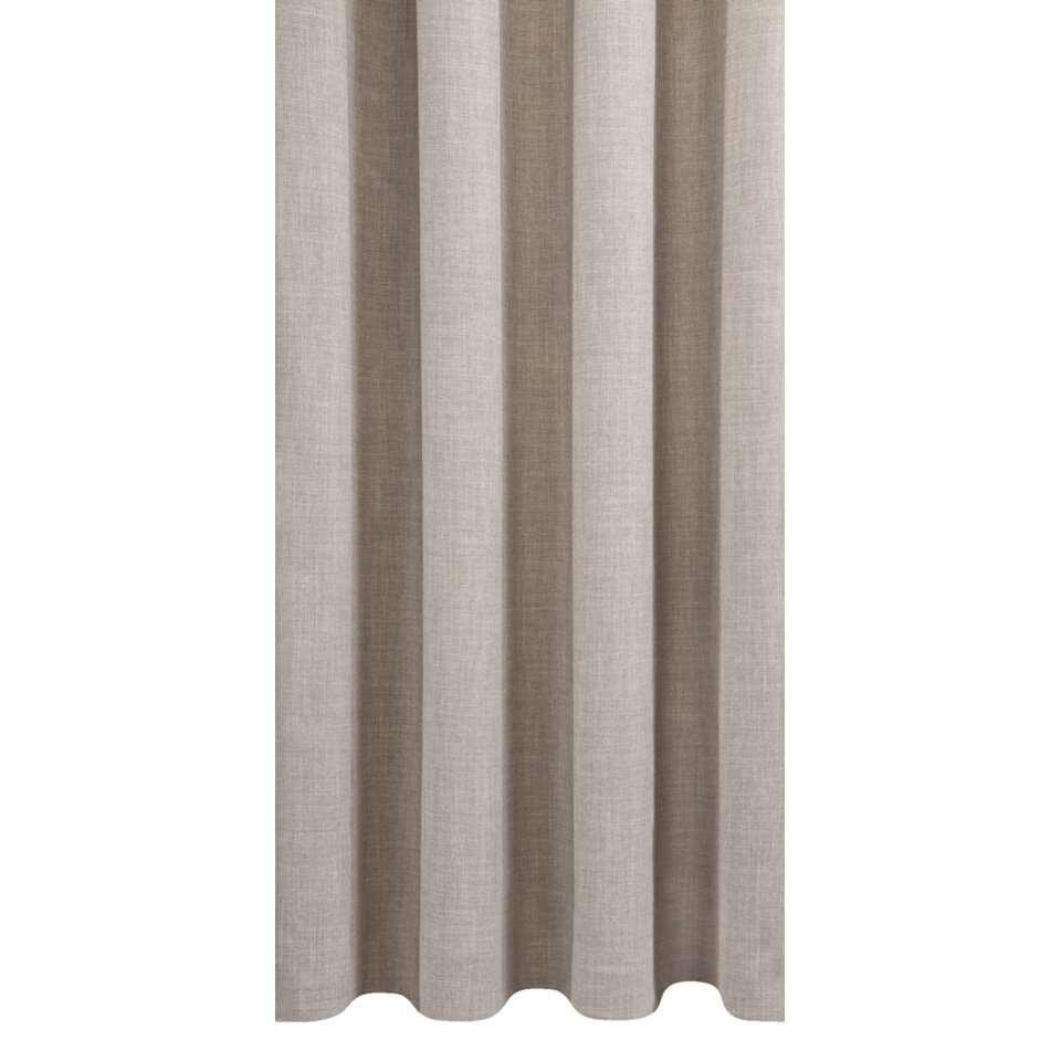Met gordijnstof Sieb krijgt je interieur een sfeervolle setting. De stof is vervaardigd uit hoogwaardig polyester en is 140 cm breed. Het textiel is grijs van kleur en past hierdoor perfect in diverse woonstijlen.