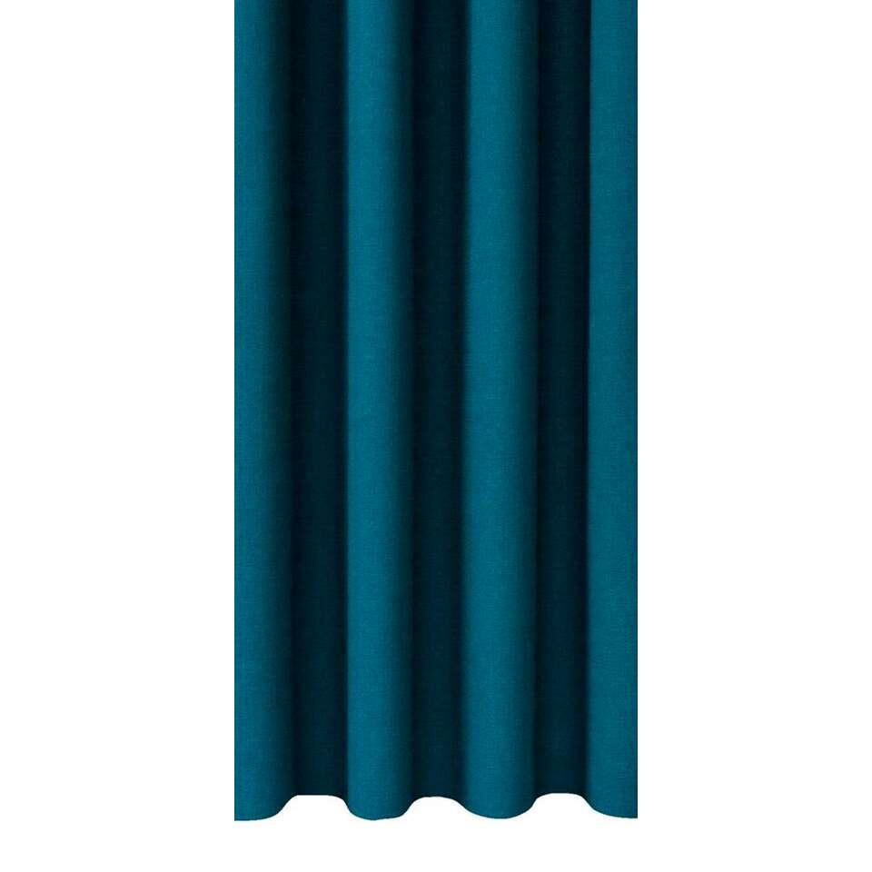 Gordijnstof Julian heeft een prachtige petrol kleur en verhoogt de sfeer in de slaap- of woonkamer. Deze sfeervolle gordijnstof is 140 cm breed en kan in elke gewenste lengte geleverd worden.