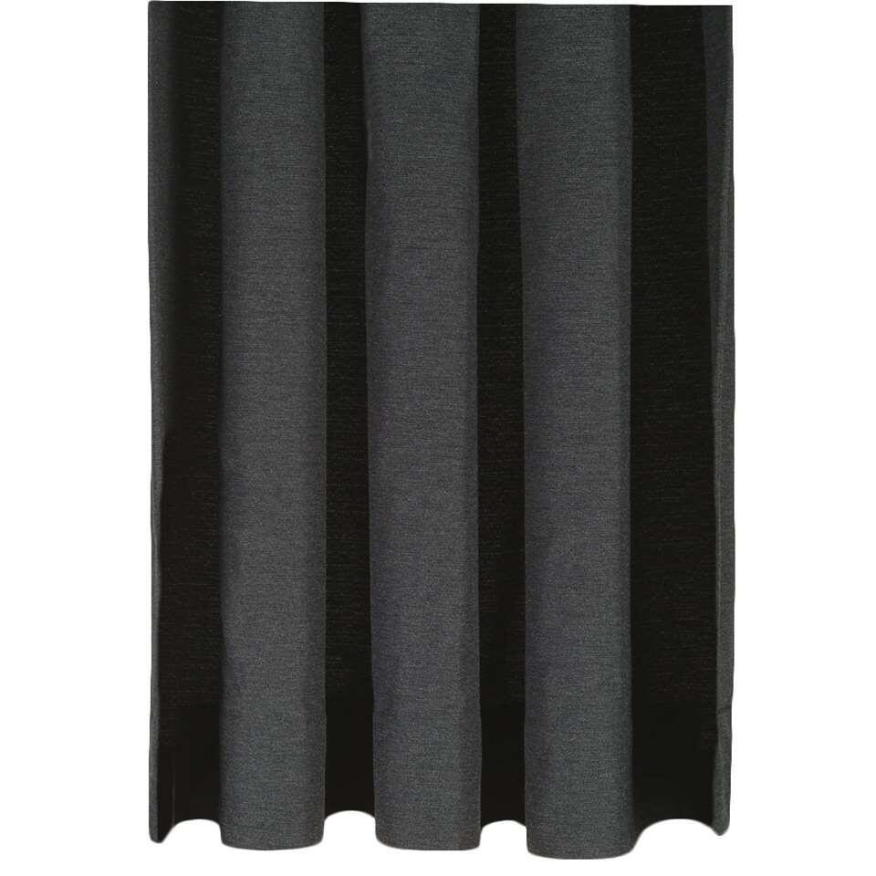Gordijnstof Ian heeft een hele chique uitstraling. Met deze gordijnstof bepaal je ook de stijl in huis. De gordijnstof is uitgevoerd in antraciet en is gemaakt van 52% polyester en 48% katoen.