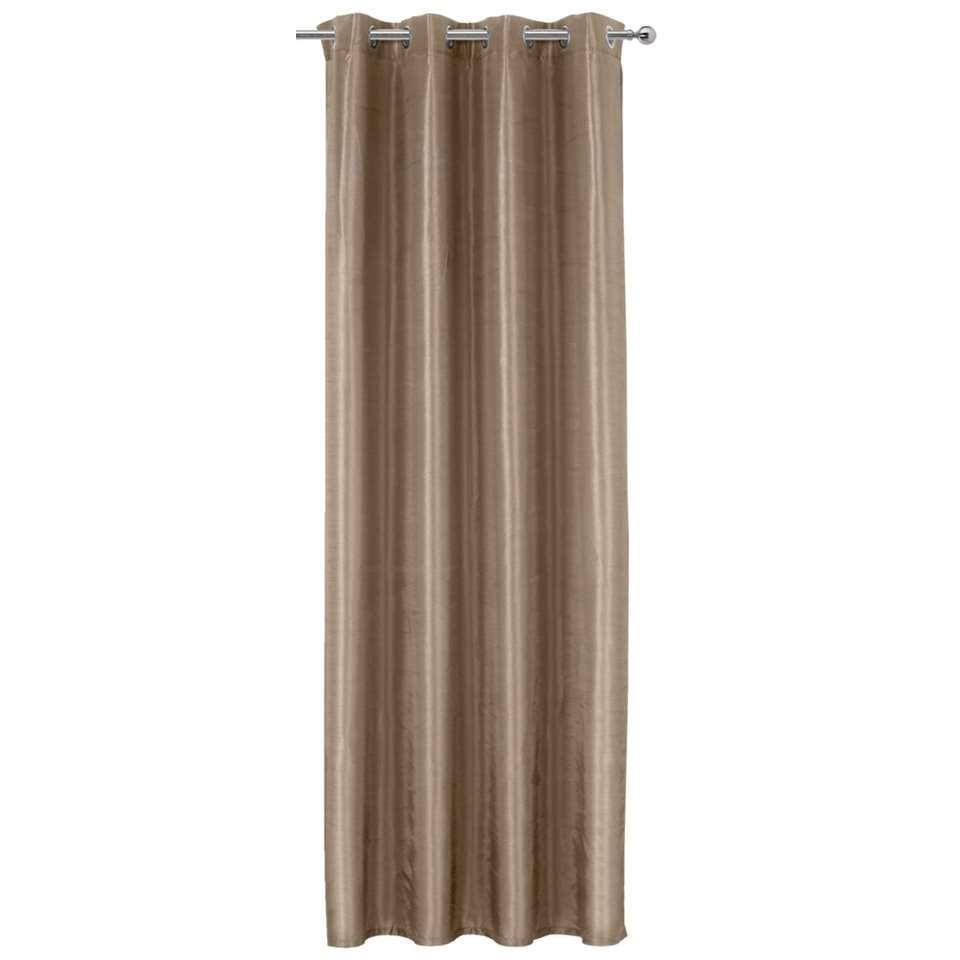 Geef je interieur een opkikker door middel van dit gordijn Rossini. Hang het aan een leuke gordijnstang voor een compleet geheel. Het taupekleurige gordijn is gemaakt van 100% polyester en heeft een afmeting van 250x140 cm.