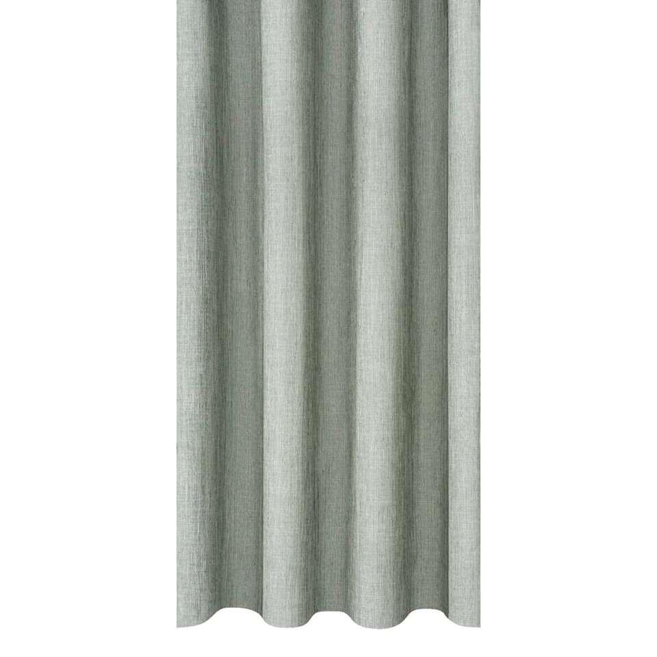 Inbetween Joshua heeft een stijlvolle lichtgroene kleur en verhoogt de sfeer in de slaap- of woonkamer. Deze sfeervolle gordijnstof is 150 cm breed en kan in elke gewenste lengte geleverd worden.