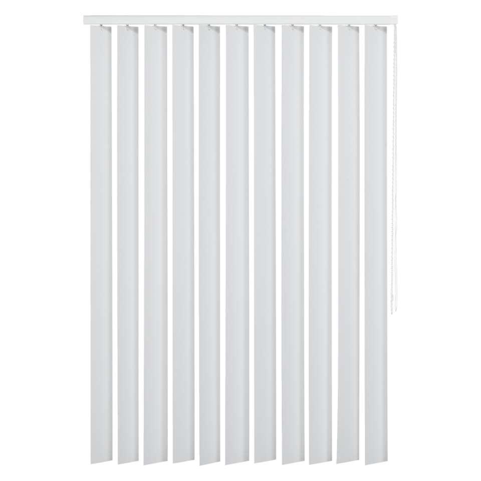 Een verticale lamel gemaakt van PVC is ook geschikt voor vochtige ruimtes. De lamel heeft een afmeting van 90x130 cm en is 89 mm breed.mm. Inclusief rail.