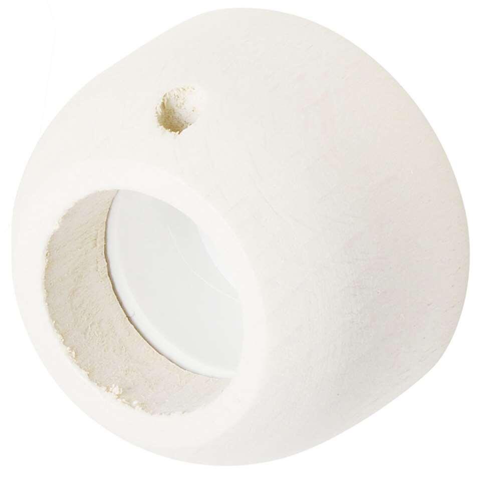Steun in de dag 28 mm is wit van kleur. Per 2 stuks verkrijgbaar. Gemaakt van hout met FSC® keurmerk.