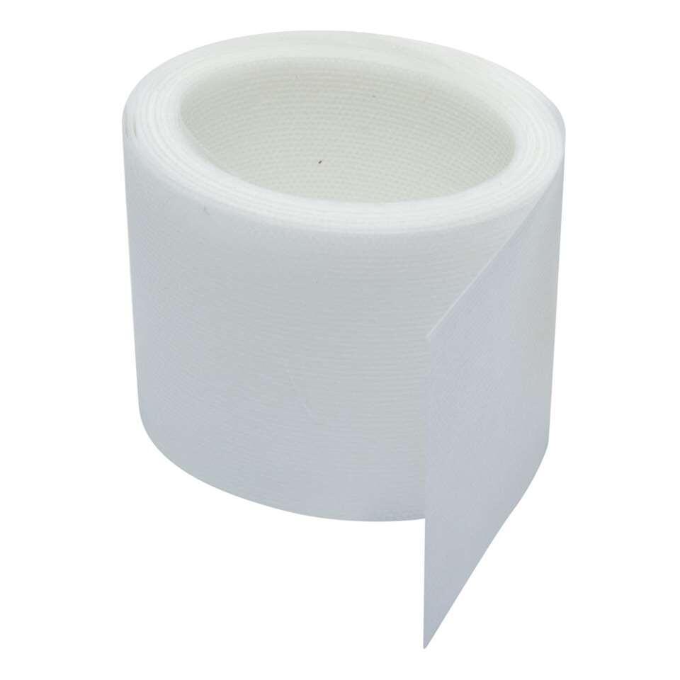 Witte vliesband van 77 mm en een lengte van 5,6 meter. Om zelf gordijnen te maken of op de juiste maat te naaien.