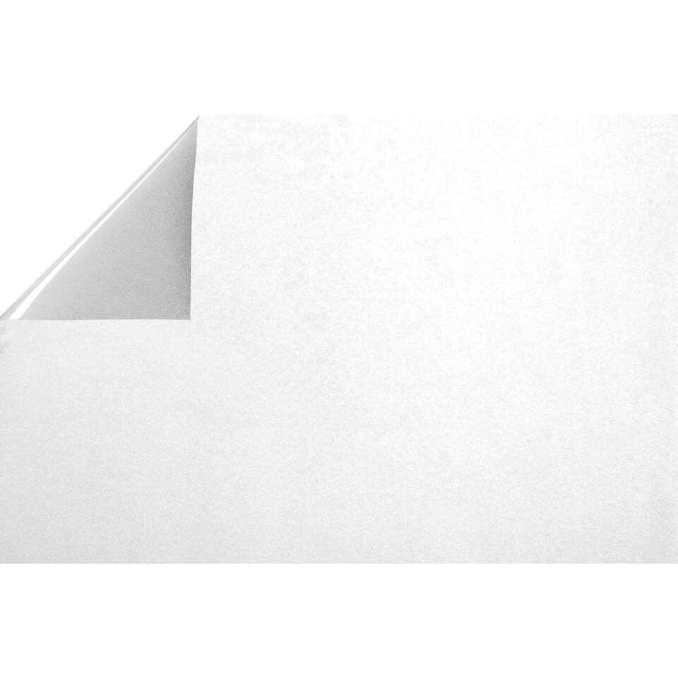 Statifix raamfolie Frost creëert een fijne privé sfeer in huis. Het is eenvoudig op het raam aan te brengen.