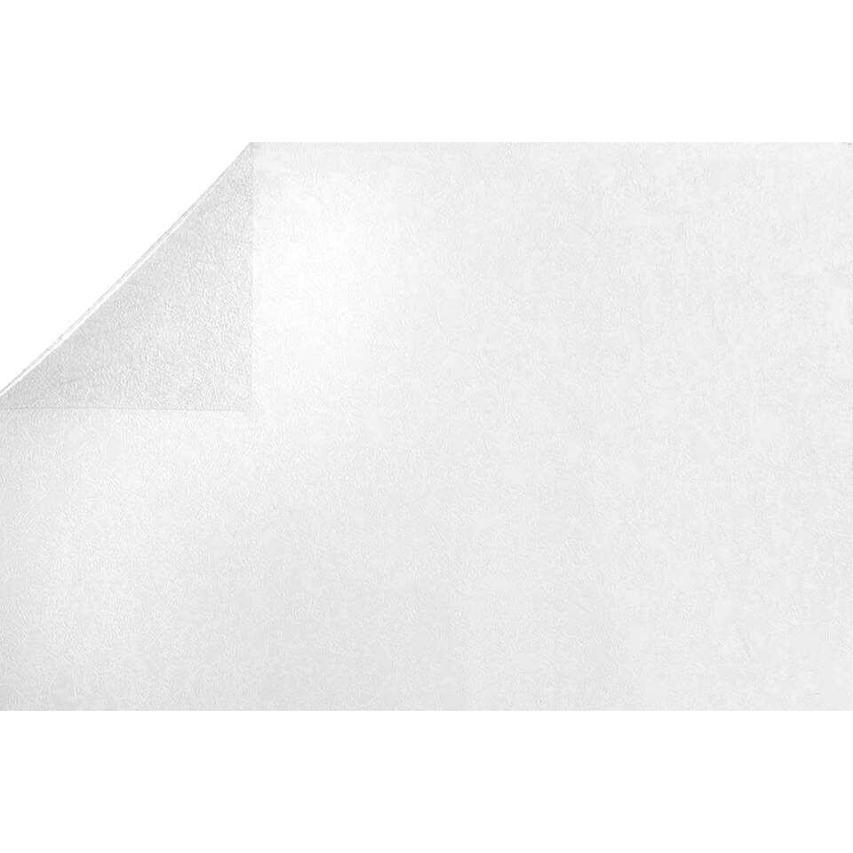 Statifix raamfolie Safir creëert een fijne privé sfeer in huis. Het is eenvoudig op het raam aan te brengen.