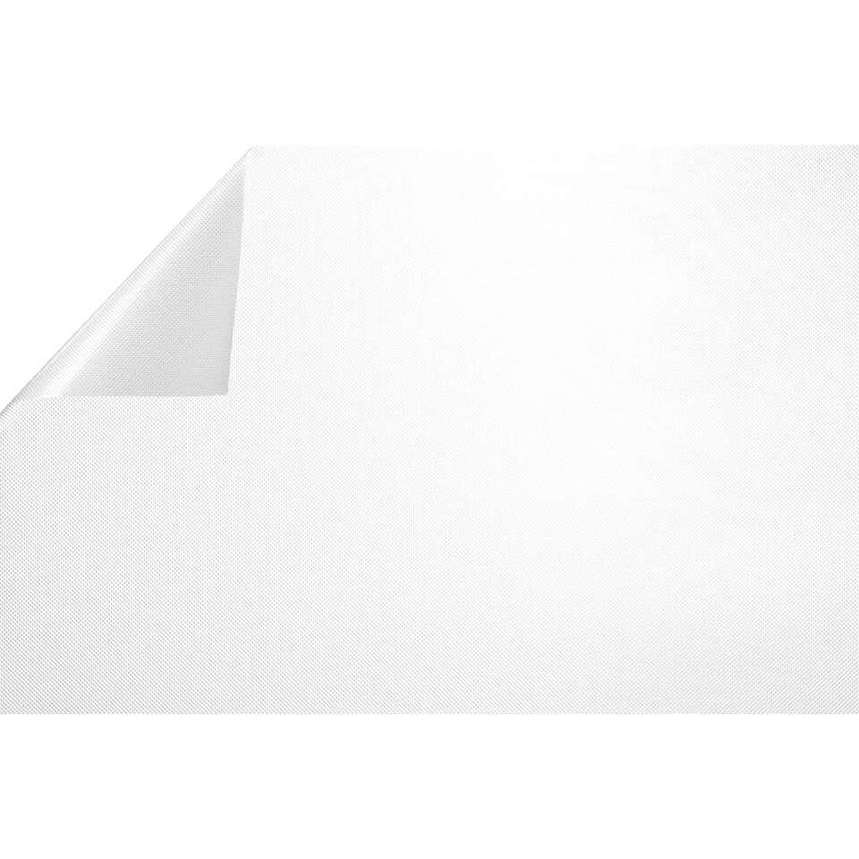 Statifix raamfolie Raster creëert een fijne privé sfeer in huis. Het is eenvoudig op het raam aan te brengen.