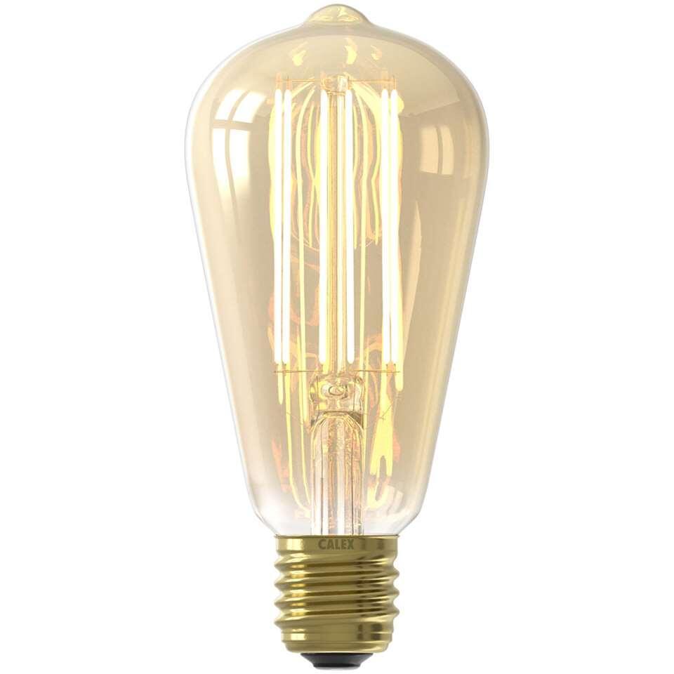 Calex LED Filament Rustieklamp is een lamp in standaard formaat. Hij is goud van kleur en geeft een prettig warm wit licht af. Deze lamp heeft een grote fitting (E27) en is dimbaar.