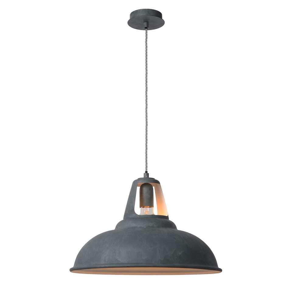 Hanglamp Markit heeft een dimbare voeding en een verstelbare lengte. De opengewerkte vorm zorgt ook voor verlichting naar het plafond toe.