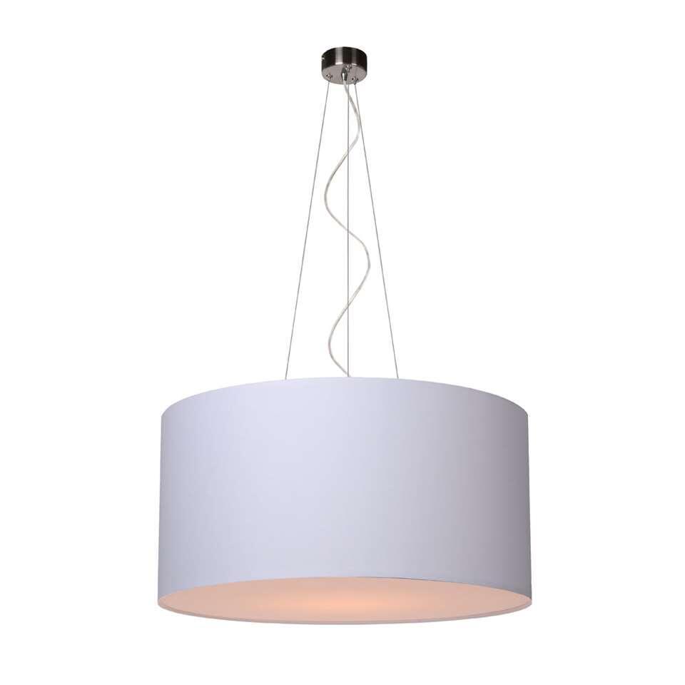 Het aanpassen in hoogte van hanglamp Coral is zeer eenvoudig. Hier zorgt de afstellingsmogelijkheid in de RVS ophanging voor.