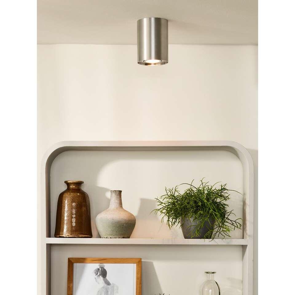 Aluminium spot Tube van Lucide is een elegante uit volledig aluminium vervaardigde armatuur. Dankzij de moderne en strakke vormgeving heeft de spot een zeer hoogwaardige uitstraling gekregen. De spot heeft een hoogte van 13 cm.