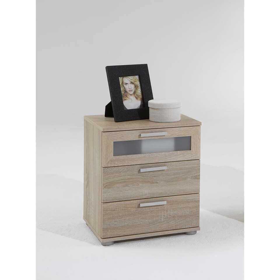 Dit praktische en elegante nachtkastje heeft 3 lades en een stijlvolle look. Zet dit kasje naast je bed.