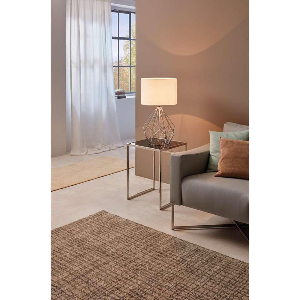 Tafellamp Pedregal 1 van EGLO is een decoratieve tafellamp in trendy stijl. De lamp is gemaakt van staal met textiel in de kleur wit. De lamp is geschikt voor 1 lichtbron met E27 fitting.