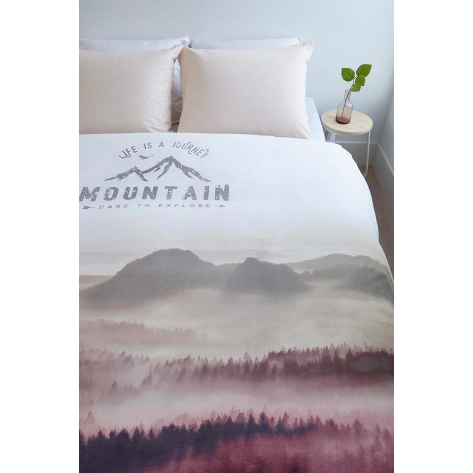 Ambiante dekbedovertrek Misty Mountains - roze - 140x200/220 cm - Leen Bakker