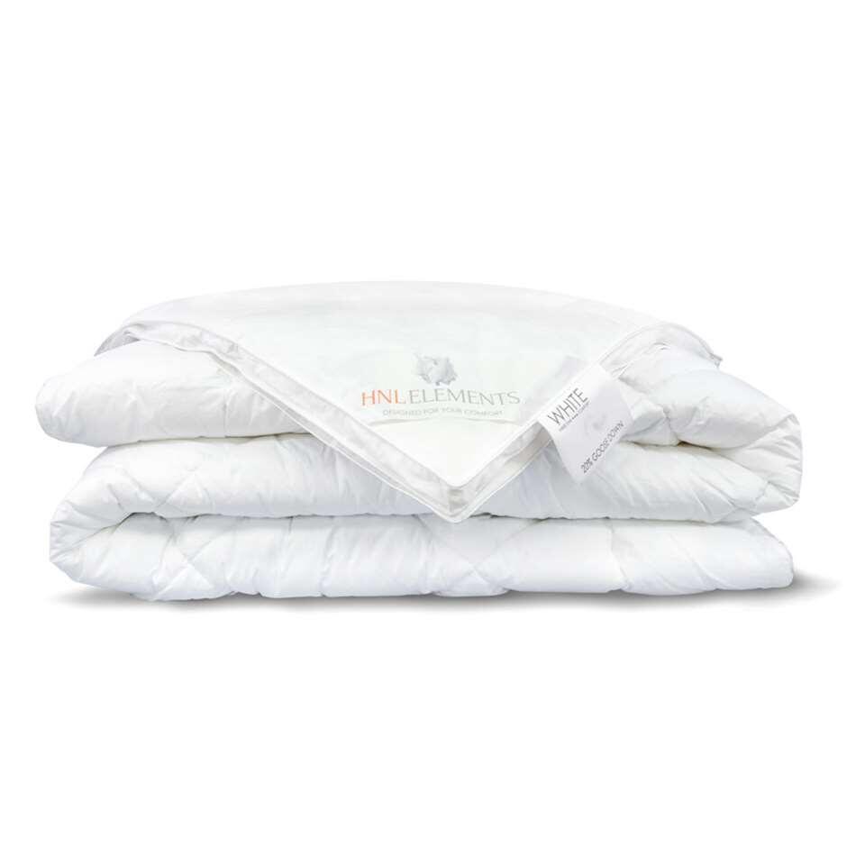Het Heckett & Lane dekbed uit de White serie is een 4seizoenen dekbed gevuld met 20% hand gesorteerde hoogwaardige ganzendons en 80% ganzenveertjes.