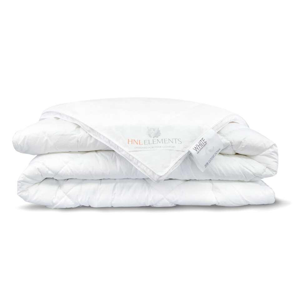 Het Heckett & Lane dekbed uit de White serie is een enkel dekbed gevuld met 20% hand gesorteerde hoogwaardige ganzendons en 80% ganzenveertjes.