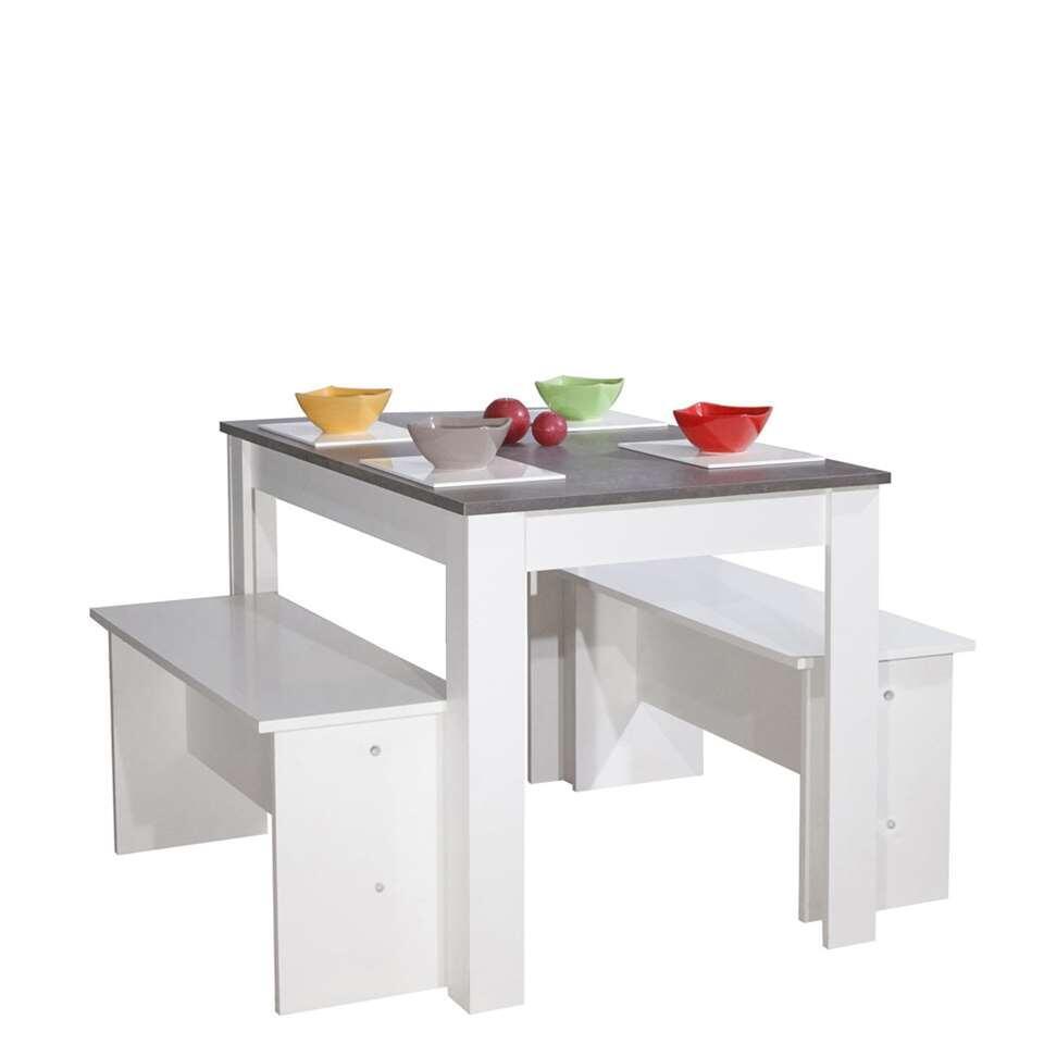 Eetkamertafel Batsto in betongrijs/wit voor max. 6 personen.